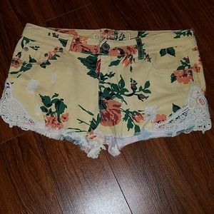 Rue 21 Floral & Lace Shorts